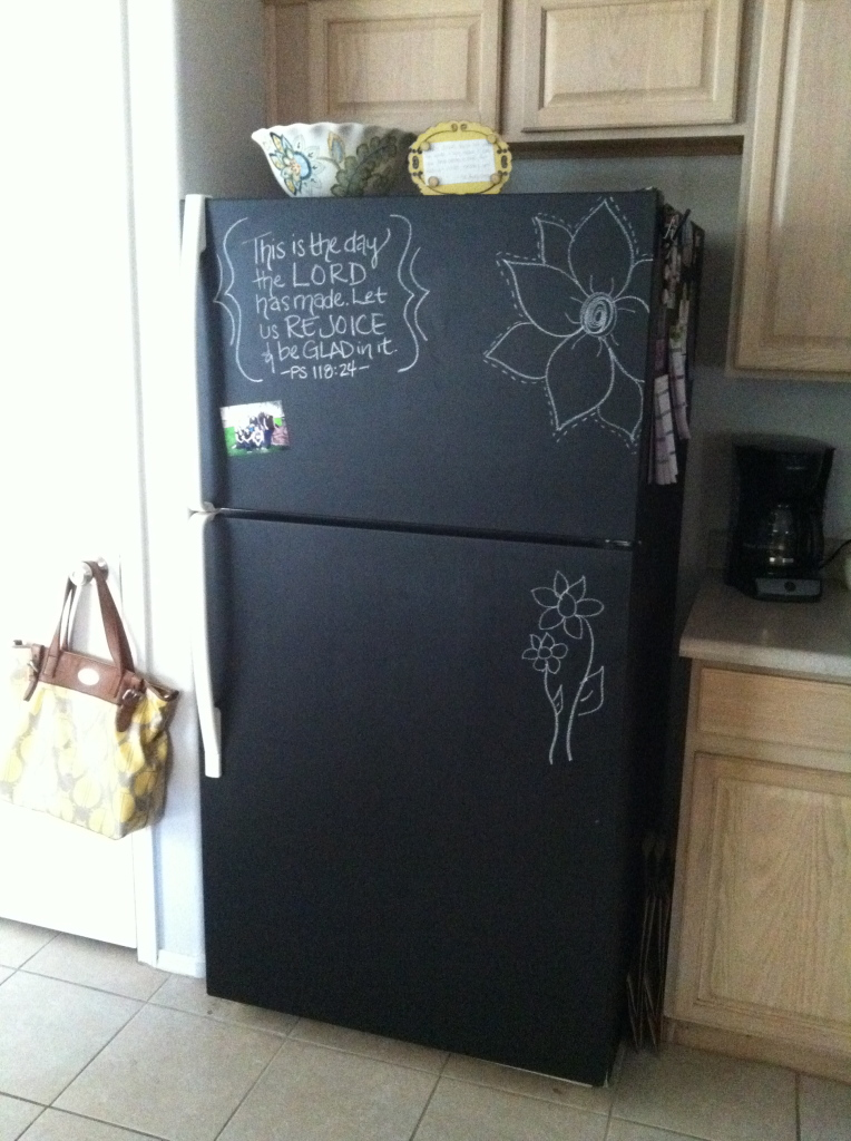 Attractive Chalkboard Spray Paint Ideas Part - 14: Painting Fridge With Chalk Paint