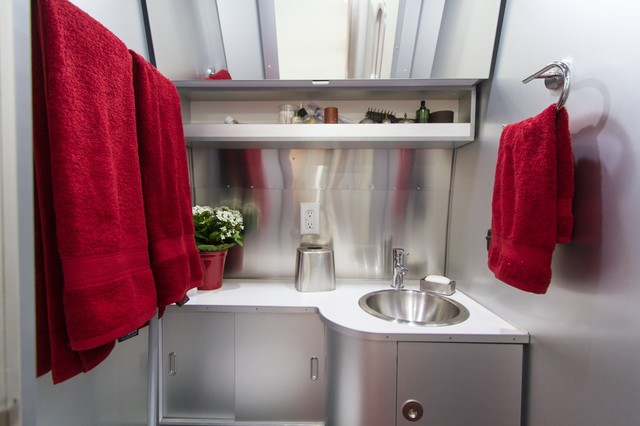 Reflective surfaces bathroom idea