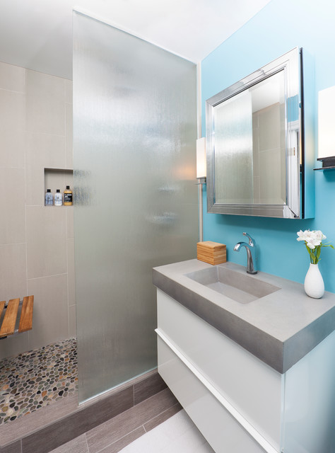 remodeling small bathroom with bright colors