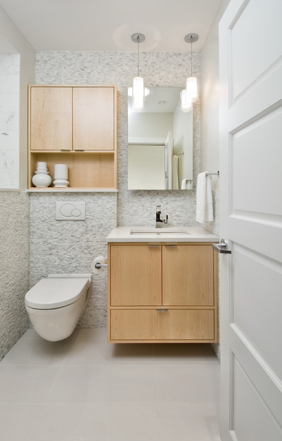 contrasting colors to remodel small bathroom