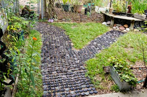12 lovely garden path and walkways ideas home and for Garden path designs uk