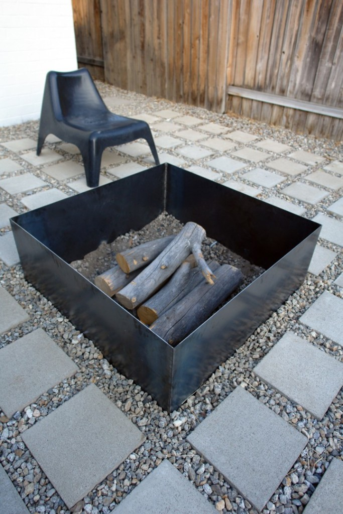 20 stunning diy fire pits you can build easily home and for Easy diy fire pit ideas