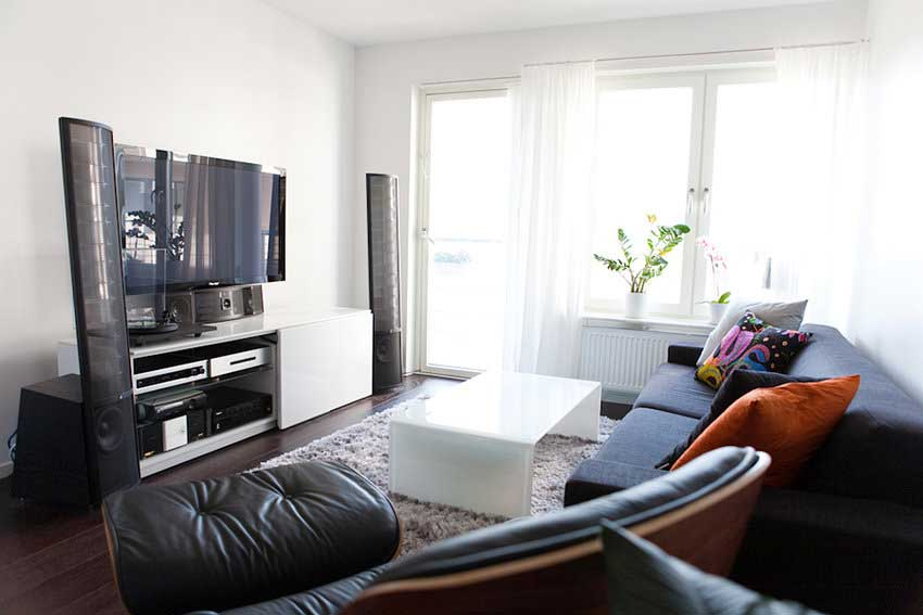 ... Modern Living Room Home Theater