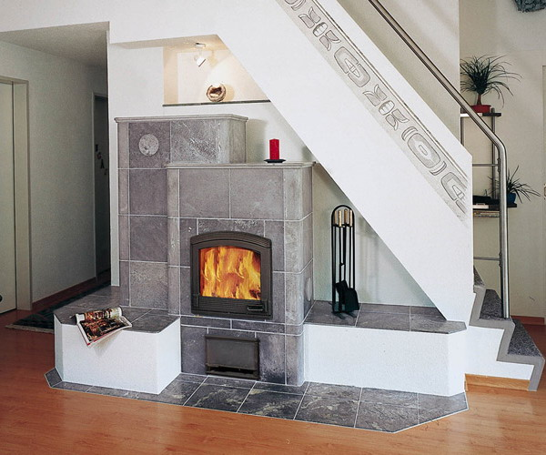 Fireplace under srtairs