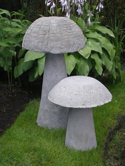 25 fabulous garden decor ideas home and gardening ideas home design decor remodeling - Cement cloth garden ornaments ...