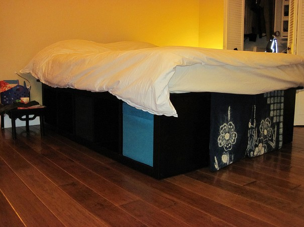 High and Comfy platform bed1