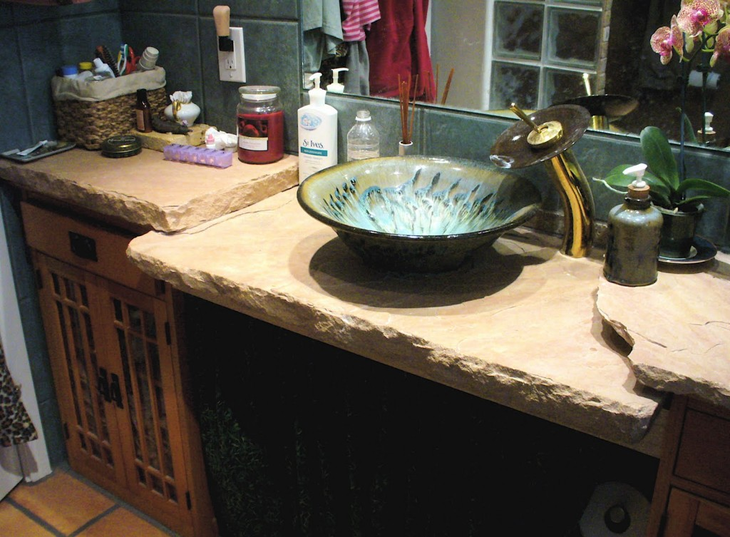 granite bowl sink and decorative faucet