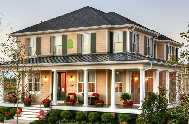 Front porch ideas to add more aesthetic appeal to your for Modern homes with wrap around porches