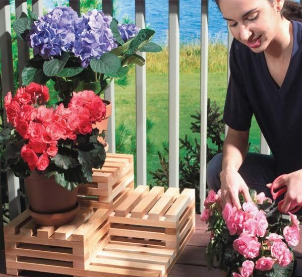 Do It Yourself Multi-Level Plant Stand