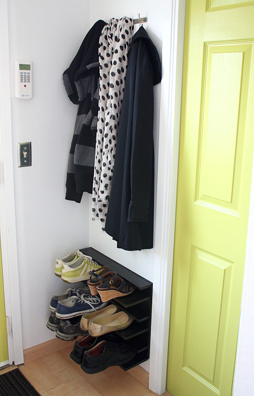 25 diy shoe rack keep your shoe collection neat and tidy home and gardening ideas - Shoe racks for small spaces collection ...