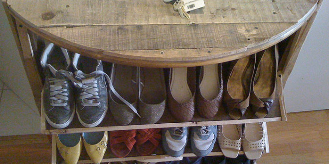 25 diy shoe rack ideas keep your shoe collection neat and tidy diy shoe rack solutioingenieria Image collections