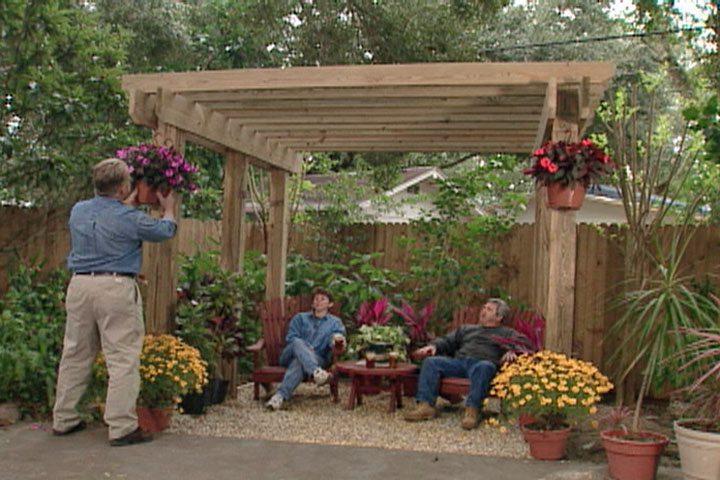 Pergola plans 20 diy ideas to add shaded sitting area for Diy free standing pergola