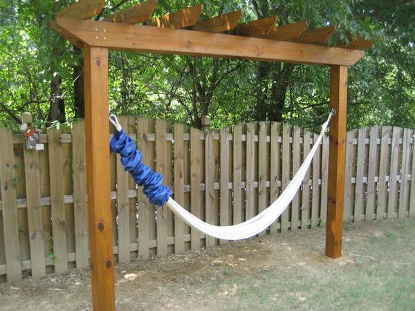 Backyard Pergola Retreat