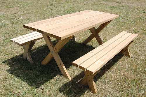 classic design picnic table