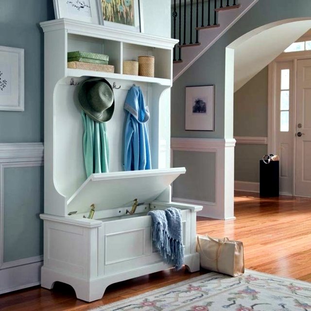 storage-bench-for-hallway