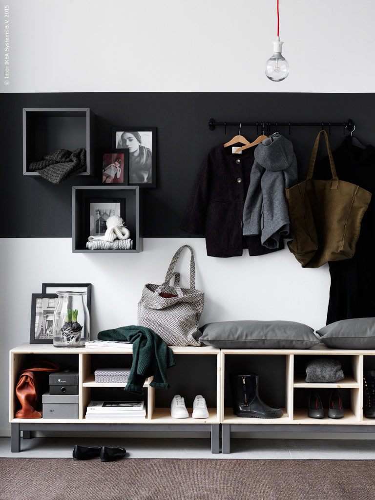 coat-and-shoe-storage-plus-seating-in-the-hallway