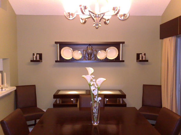 20 fabulous dining room wall decorating ideas home and for Decorating ideas large dining room wall