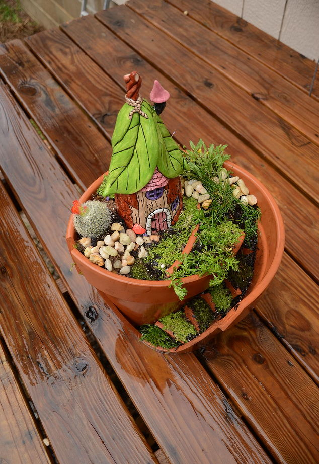 25 fun fairy garden ideas your kids will love to make one for Craft ideas for fairy gardens