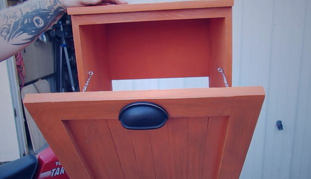 Wooden Trash Bin Cabinet