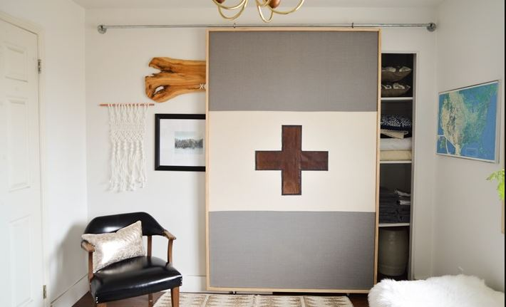 DIY barn door project for a lightweight barn door & 20 DIY Barn Doors To Add A Rustic Charm To Your House \u2013 Home And ...