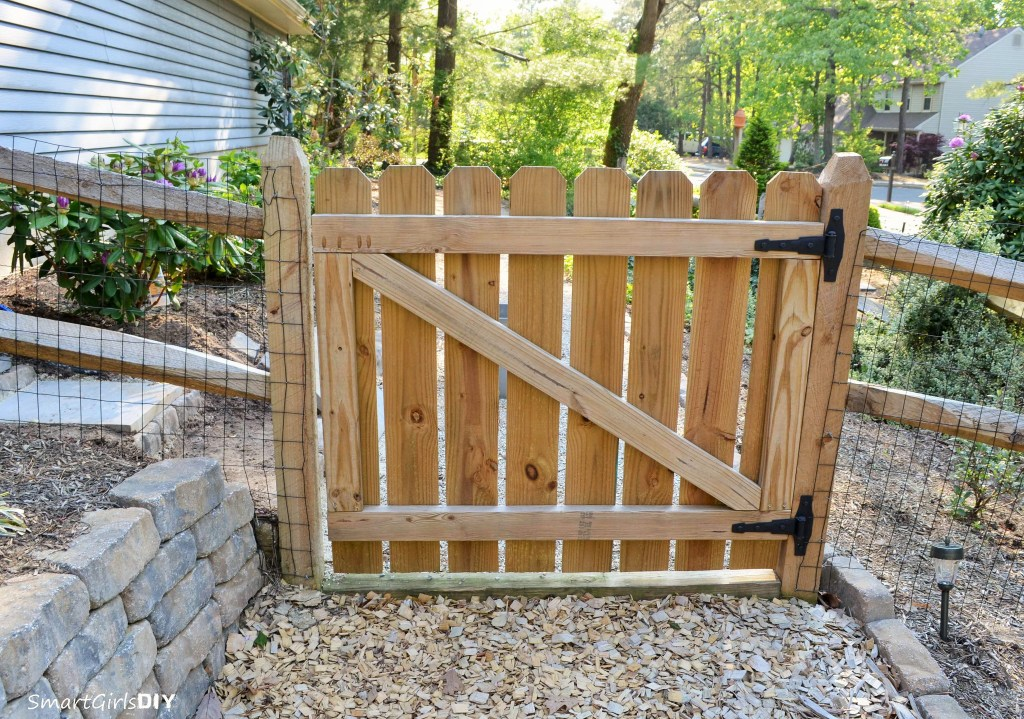 21 Diy Fence Gate Ideas Learn How To Build A For Your Yard Home And Gardening