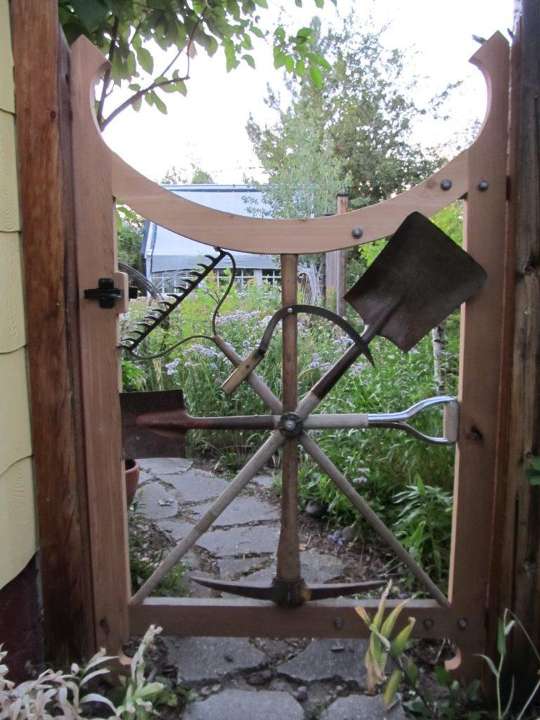 Yeniden tasarlanmış DIY Bahçe Kapısı