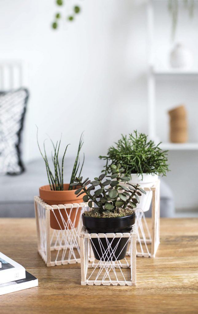 33 DIY Plant Stands You Can Make In A Day - Home And ... on House Plant Stand Ideas  id=88565